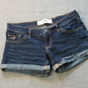 """HOLLISTER🍀Rolled Cuff Denim 3"""" Inseam Shorts"""